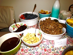 Grain-free granola with coconut milk and topping options